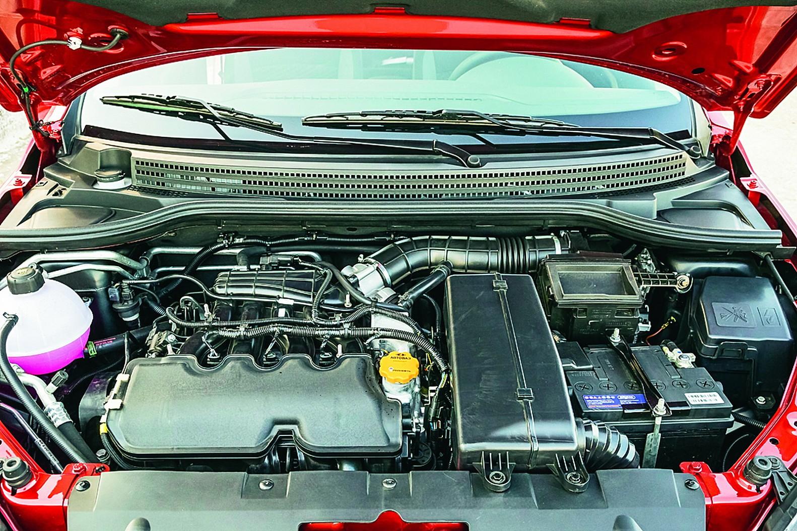 Lada Vesta моторный отсек